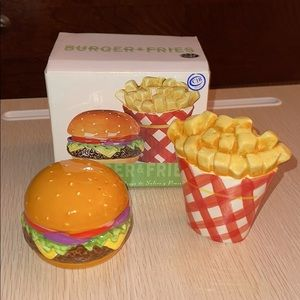 Burger and Fries salt and pepper set NWT